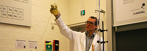 Associate Professor Anders Døssing from the Department of Chemistry, University of Copenhagen with a banana you can use to pound in nails.